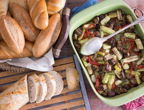 Τουρλού λαχανικών στο φούρνο με μπέικον και κρασί