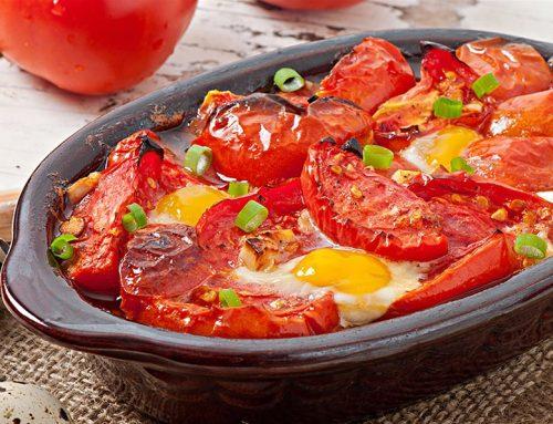 Πικάντικες ντομάτες στο φούρνο με αβγά