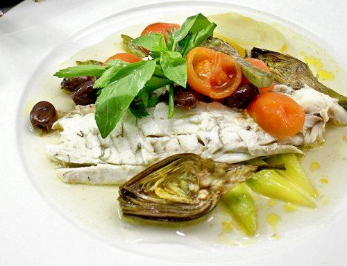 Τσιπούρες στο φούρνο με ελιές Καλαμών, Ανοιξιάτικα Λαχανικά, Κάπαρη και έξτρα Παρθένο Ελαιόλαδο Χρυσελιά